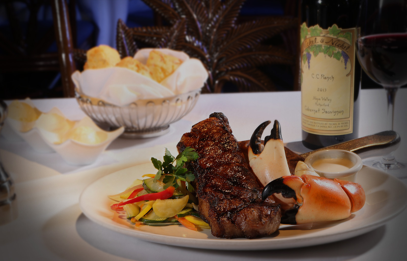 Best Affordable Steak Seafood And Stone Crab Restaurant In Naples Florida Great Wine Family Friendly
